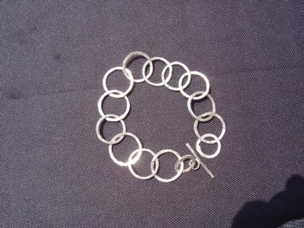 Large round link bracelet