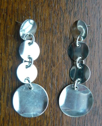 Silver disc long dangles