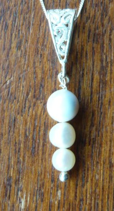 Three pearl drop pendant